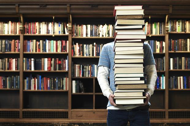 Библиотерапия для пожилых людей лечение с помощью чтения книг