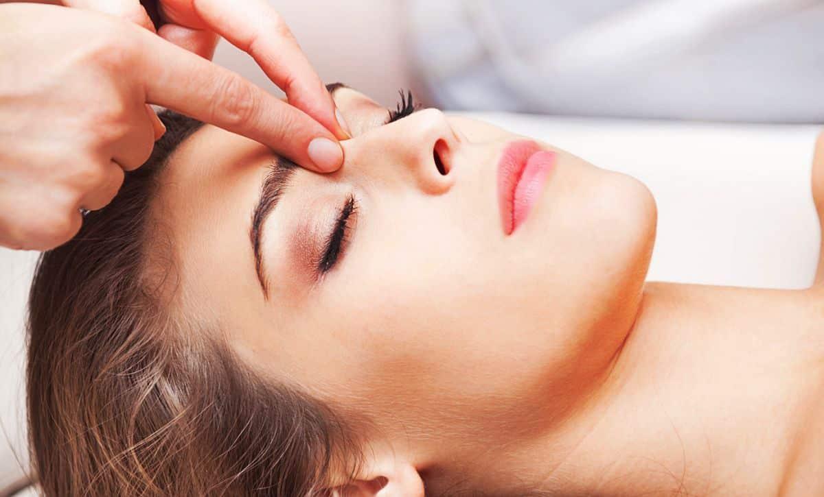 Точечный массаж от насморка