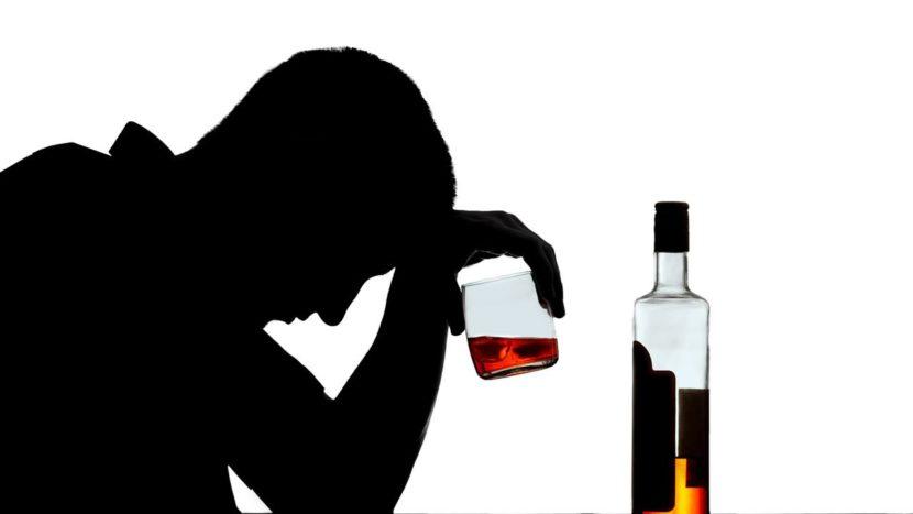 Алкоголь приводит к обезвоживанию организма