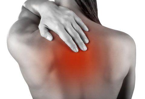Болевые ощущения в шее и спине могут возникать по причине остеохондроза