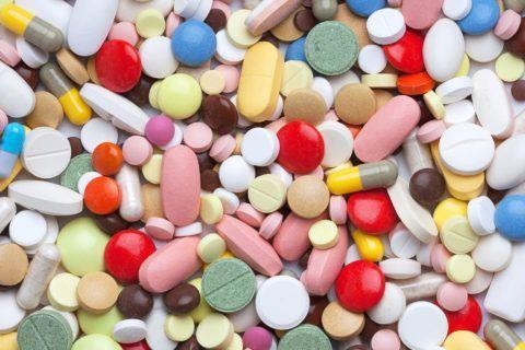 При мышечной или суставной боли врач обязательно назначит вам таблетки (реже мази)