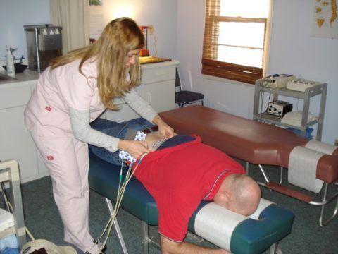 Физиотерапия поможет быстрее восстановить, травмированные во время операции и при развитии самого заболевания, ткани.