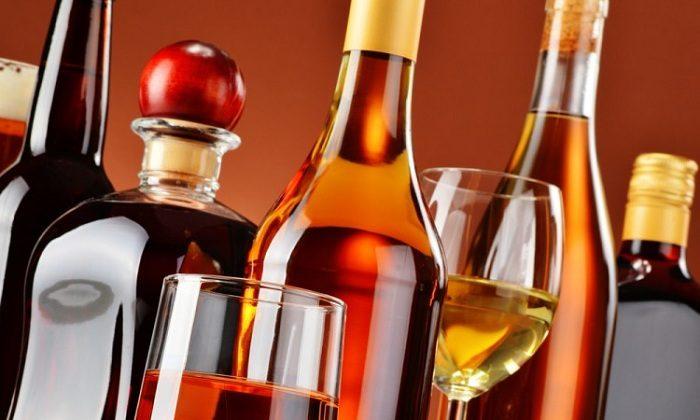 Исключить из рациона спиртные напитки