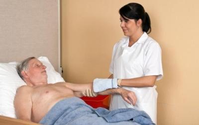 Очищающая и защитная пена для лежачих больных виды, способ применения, обзор лучших средств