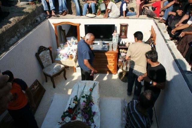 Подготовка и проведение цыганских похорон. Какие есть обычаи прощания с простыми людьми и бароном?