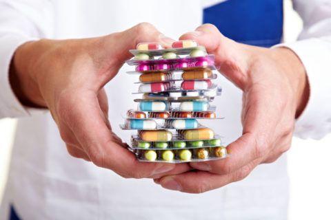 Основное значение имеет лекарственная терапия