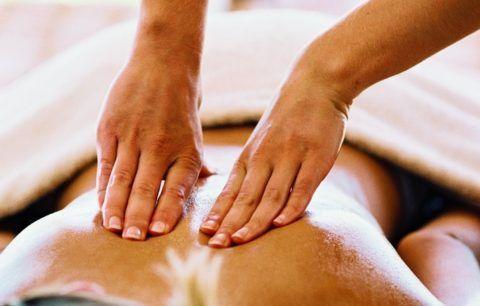 Остеохондроз нужно лечить не только препаратами, но и физиотерапией и массажами
