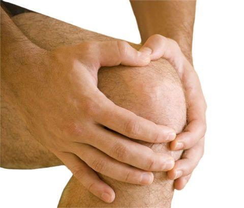 Почему болит колено после ангины?