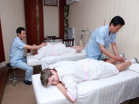 После операции на позвоночнике больному показано санаторное лечение, сроки и необходимую терапию в профильном медучреждении определяет лечащий врач.