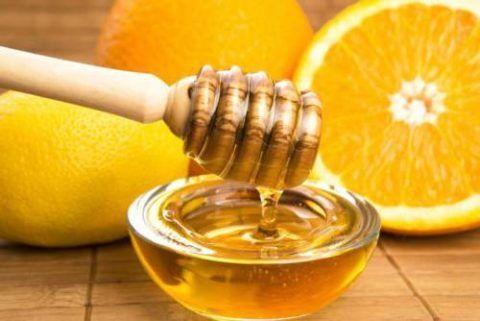 Лечить воспаление, повысить защитные силы организма и его способность к регенерации тканей способны лимон и мед.
