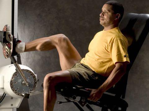 Больным показаны занятия на специальных велотренажёрах