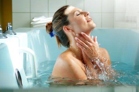 Принятие минеральной ванны