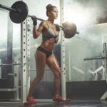 Приседания со штангой развивают различные группы мышц. В здоровом теле, здоровый дух.
