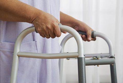 Продолжительность реабилитации после эндопротезирования может достигать 3 месяцев