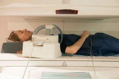 Проведение МРТ в закрытом томографе