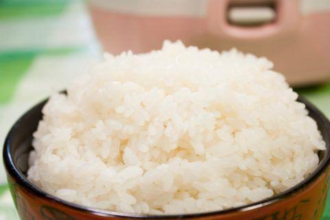 Рисовая диета поможет вывести из организма лишнюю жидкость и вредные соли.