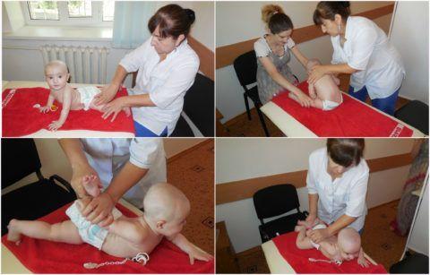 Родителей обучают делать массаж малышу