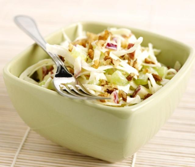 Что приготовить на поминки? Простые рецепты вкусных салатов