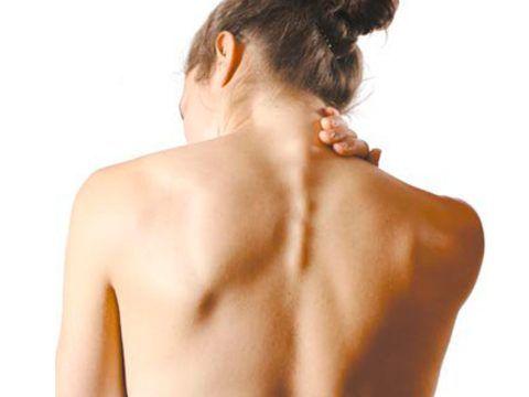 Шейный остеохондроз заявляет о себе по-разному