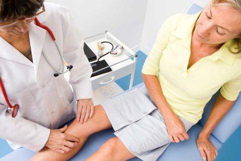 Шипы в колене могут стать последствием суставных недугов.