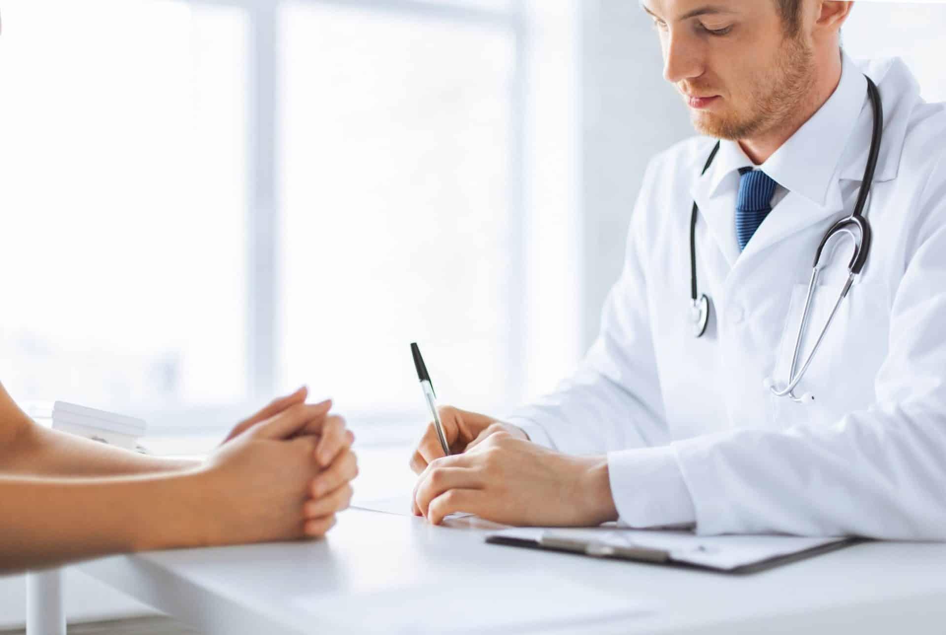 Лечение мокроты с кровью и возможные последствия