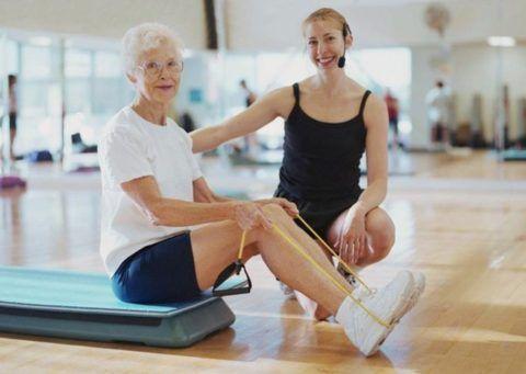 Специалист по ЛФК подберет необходимый комплекс упражнений