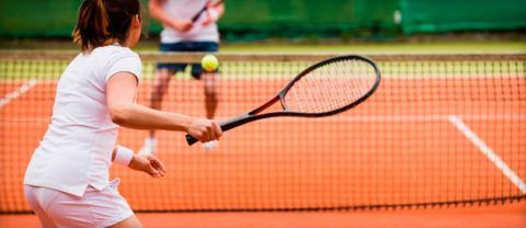 Сустав и окружающие ткани нагружаются при игре в теннис