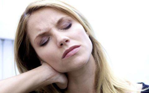 У женщин заболевание может маскироваться под головные боли