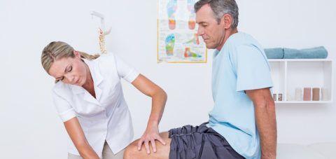Уплотнение на колене нельзя оставлять без внимания, необходимо обязательно проконсультироваться со специалистом.