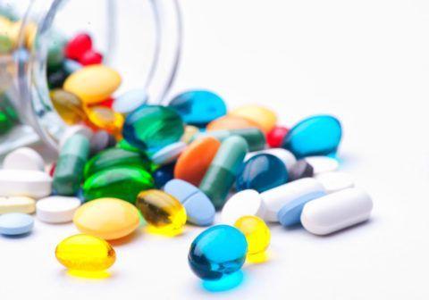В консервативное лечение обязательно входят лекарственные препараты