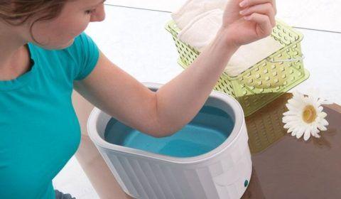 Во время солевых ванночек процедуру можно проводить непосредственно на больное сочленение.