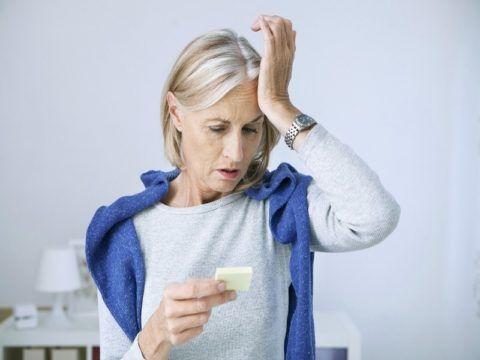 Возникновение шипов в колене может быть спровоцировано гормональными сбоями.