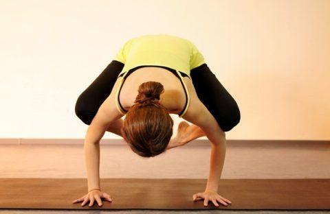 Йога относится к нетрадиционным методам лечения болезней